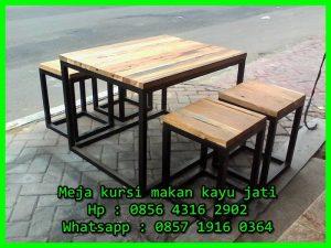 meja dan kursi untuk cafe