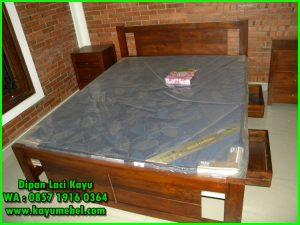 tempat tidur plus laci