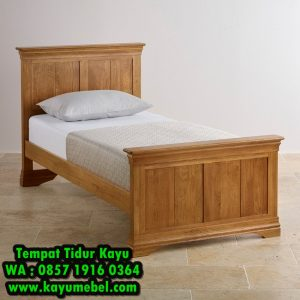 Ranjang kayu jati minimalis