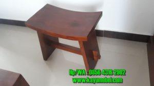 kursi unik dari kayu