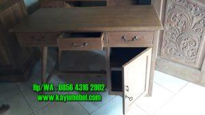 meja kayu kantor
