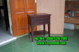 meja kecil untuk kamar tidur