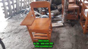 Kursi kuliah kayu